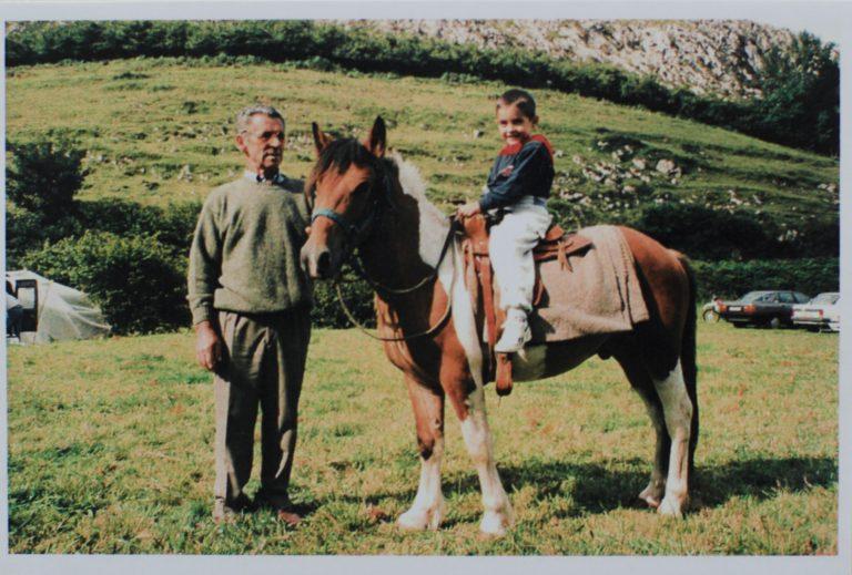 familia blanco a caballo